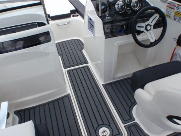 floor design of the boat